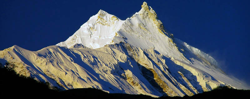 Manaslu and Larke pass trekking